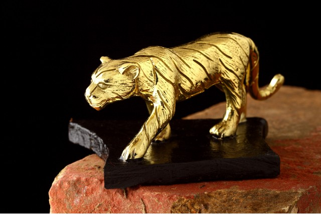 TIGER PAPERWEIGHT